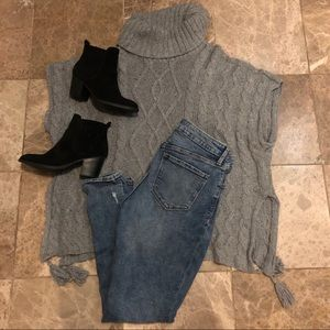 Gray Poncho with Tassles